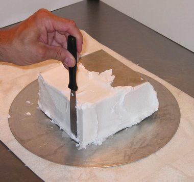 איך מצפים עוגות מרובעות?